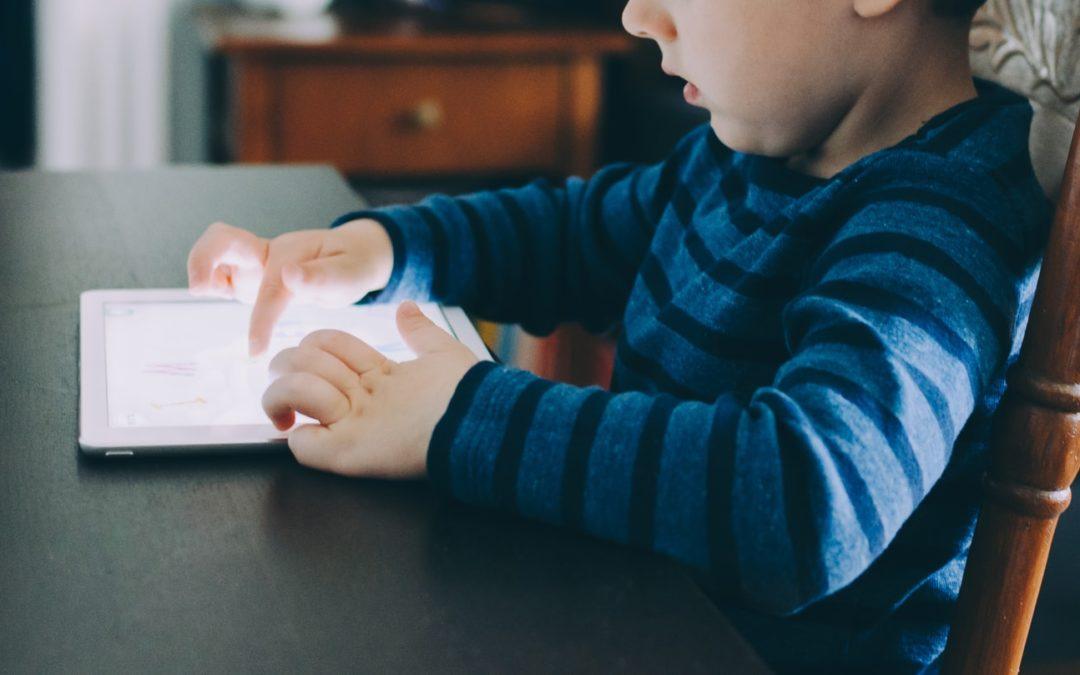 La tecnología en la infancia y la adolescencia